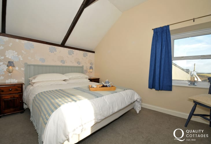 Pembrokeshire holiday cottage - double bedroom