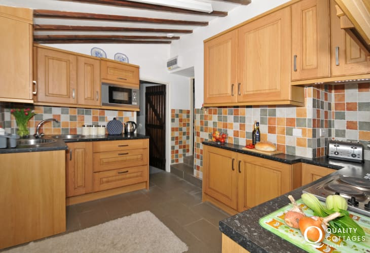Holiday cottage Solva - kitchen