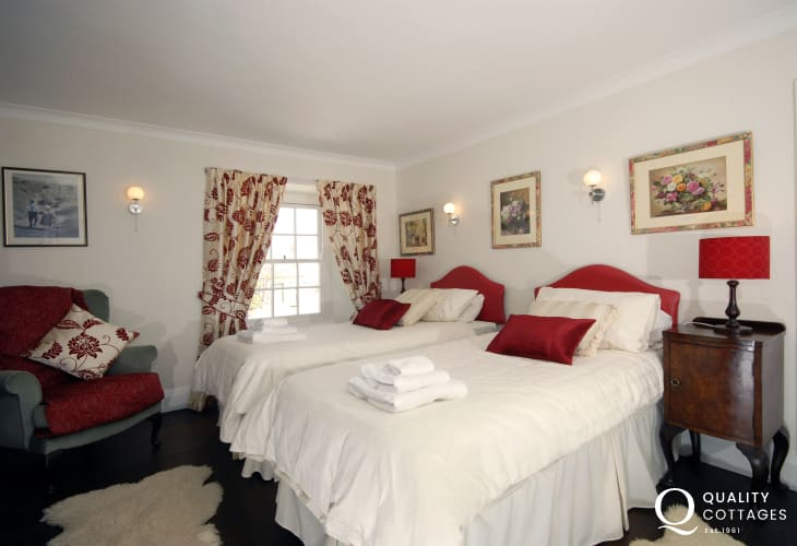 Cerbid cottage twin bedroom