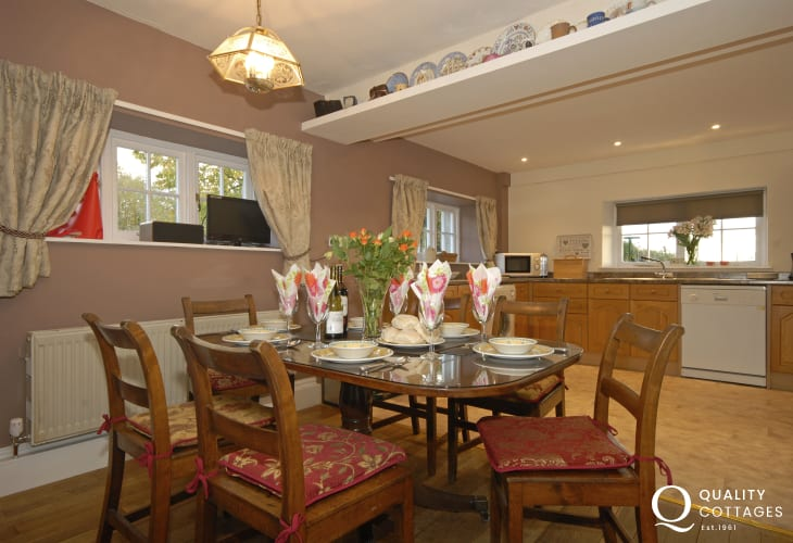 Solva self catering traditional farmhouse - spacious kitchen/diner