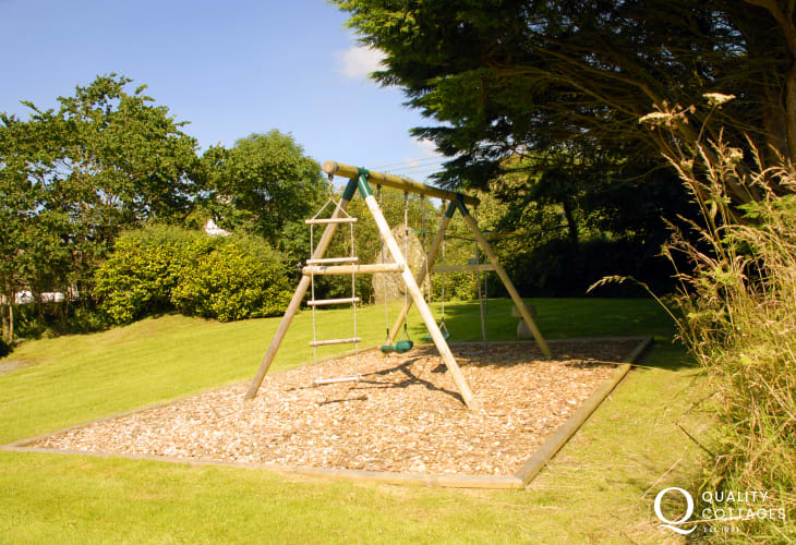 Pembrokeshire Georgian farmhouse - private gardens and children's swings