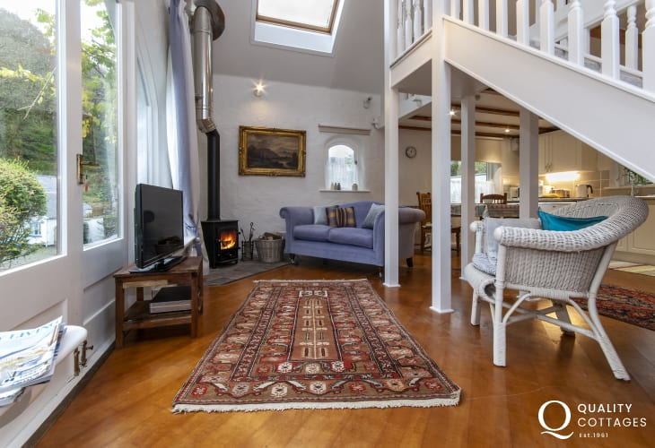 Newport Pembrokeshire holiday cottage - living room with t.v wifi and log burning stove