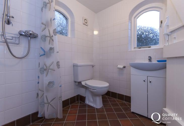 Shower room in Wisteria Lodge, Gwaun Valley