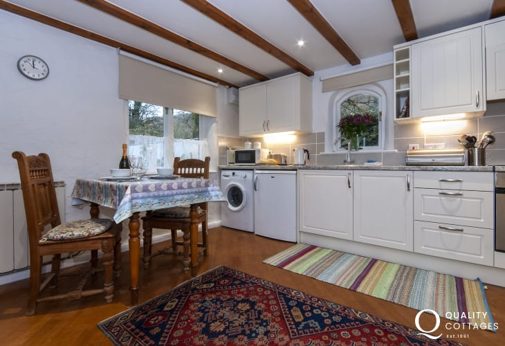 Kitchen and dining area in Wisteria Lodge