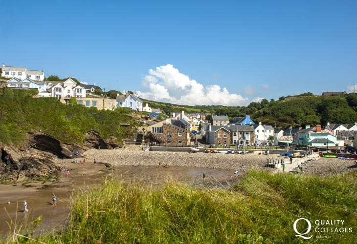 Little Haven with golden sands and a quaint village with galleries, pubs and restaurants