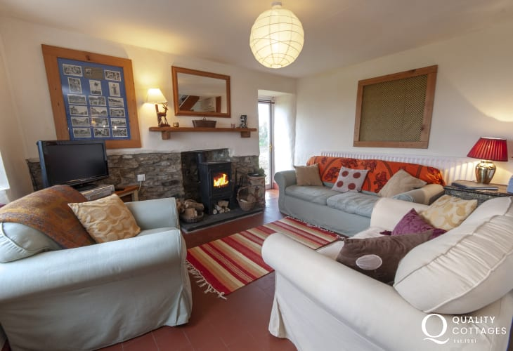 Pembrokeshire holiday cottage near the coast - sitting room with wood burning stove