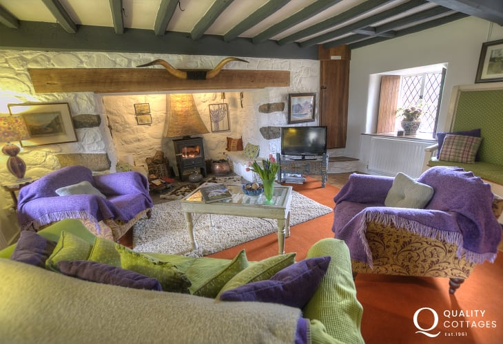 Holiday cottage near Porthmadog-lounge