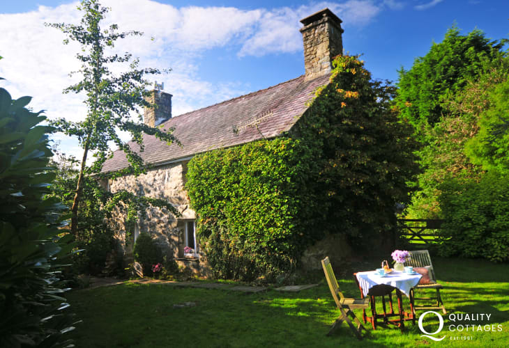 Pet friendly holiday cottage Wales