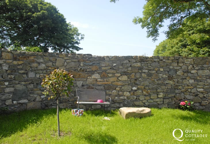 Coastal cottage Pembrokeshire with private gardens