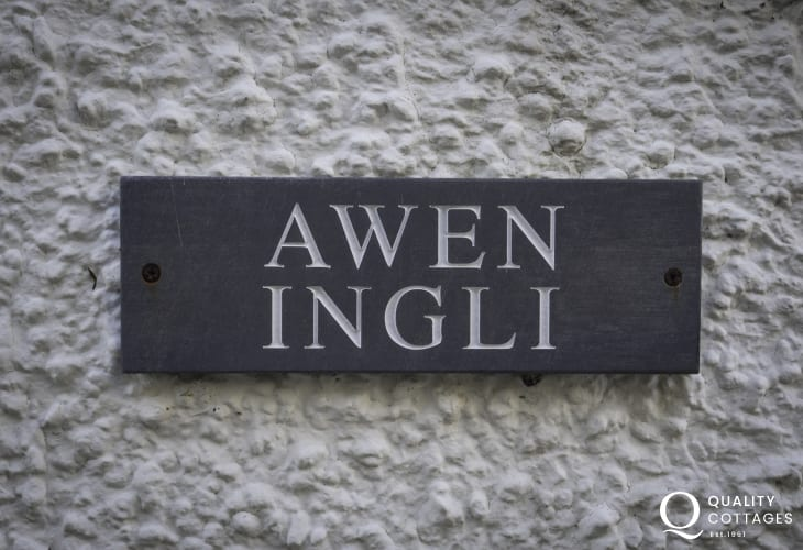 Slate sign for Awen Ingli holiday cottage in Newport Pembrokeshire