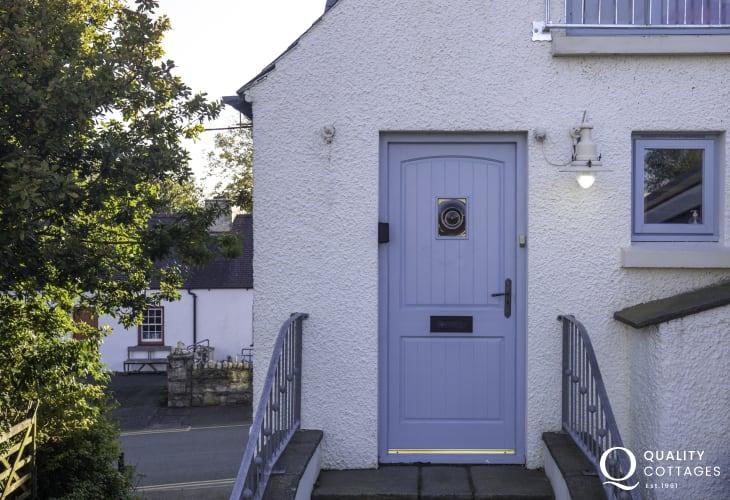 Front door to Awen Ingli in Newport, Pembrokeshire