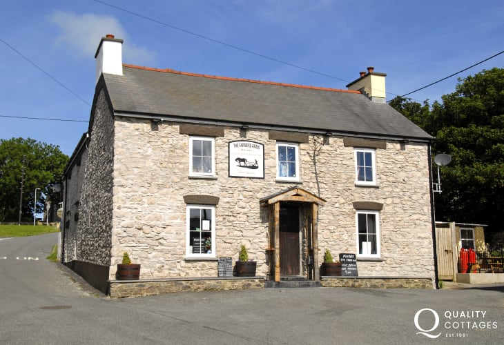The Farmers Arms in Mathry - a traditional dog friendly pub with real ales and good food