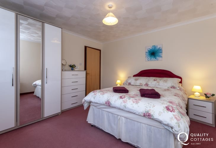 St Davids Pembrokeshire holiday home - spacious master double bedroom