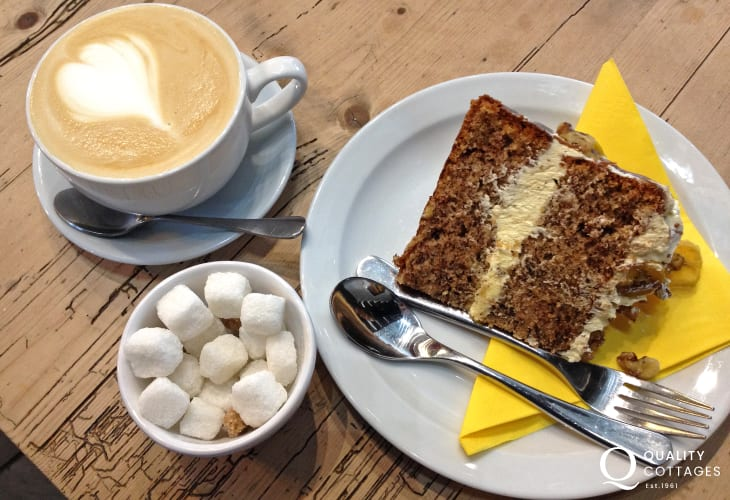 Try The Pebbles Yard Gallery and Espresso Bar for snacks and mouth watering cakes served with hot frothy coffee
