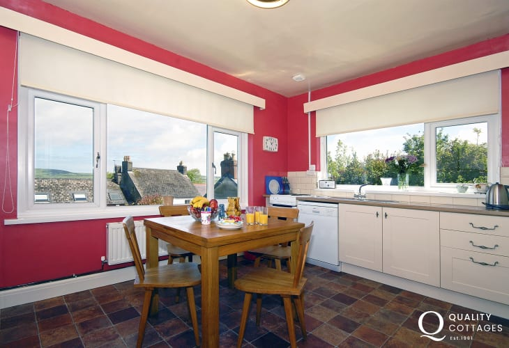 Self catering family holiday home Newport - spacious kitchen/diner