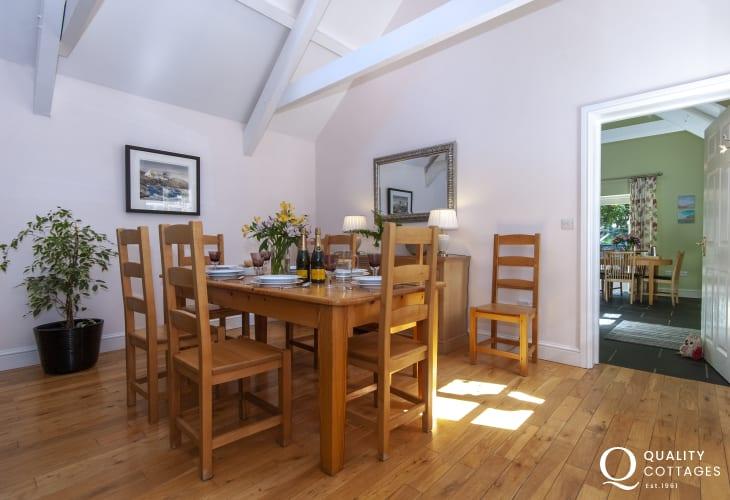 Rural retreat North Pembrokeshire - open plan dining area