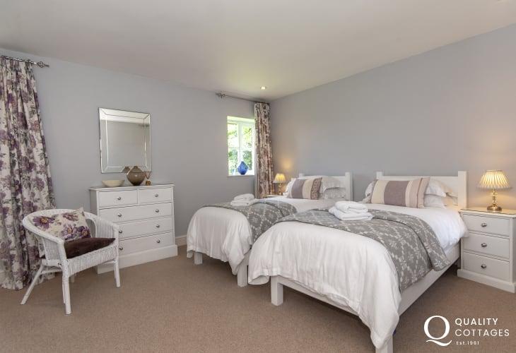 Abercastle holiday cottage sleeping 6 - twin