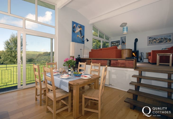 Nolton Haven Pembrokeshire holiday home - split level dining living area