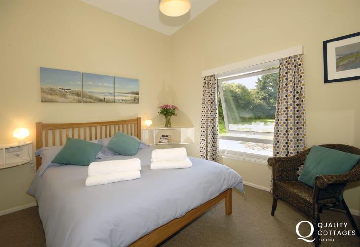 Nolton Haven Pembrokeshire - holiday house sleeps 6 - double