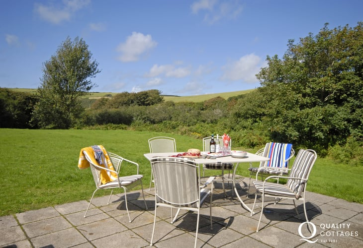 Nolton Haven holiday home with patio and 2 acres of lawned gardens - dogs welcome