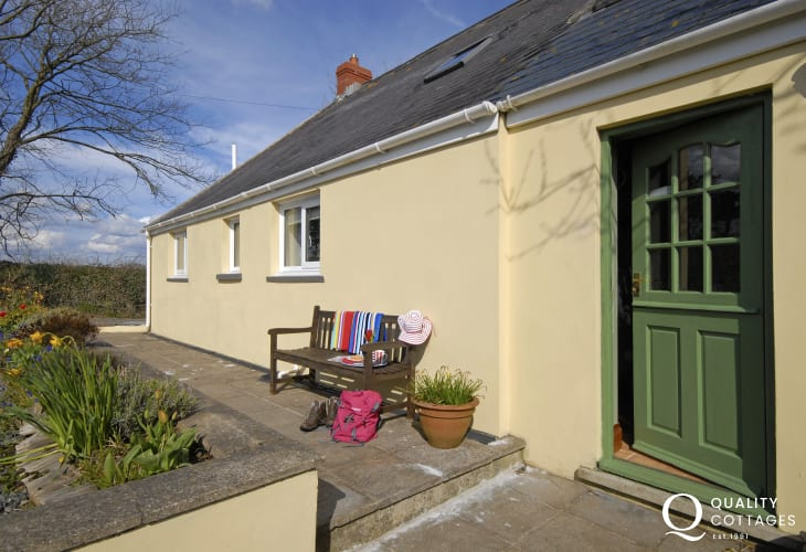 Walking holidays in Pembrokeshire - Nashfields Cottage Llamgwm