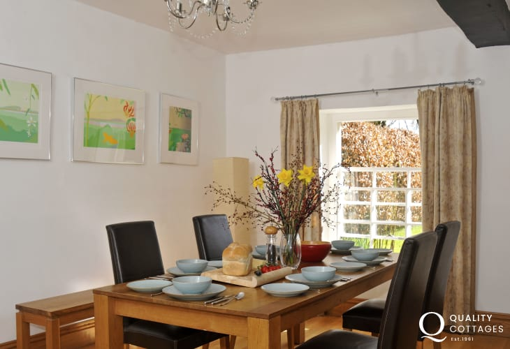 Pet friendly holiday cottage Wales  - din