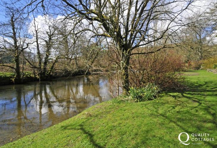 Riverside cottage Wales - garden