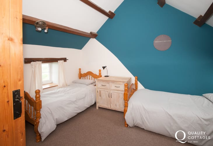 Cwm nantcol holiday cottage  - twin bedroom
