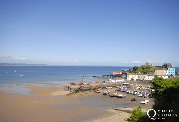 Enjoy fabulous views over the harbour, North Beach and Saundersfoot Bay beyond