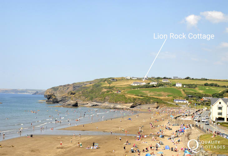 Broad Haven Pembrokeshire holiday cottage overlooking the beach - pets welcome