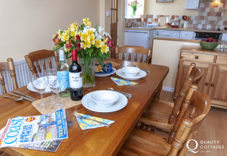 Lion Rock Cottage, Broad Haven-dining area