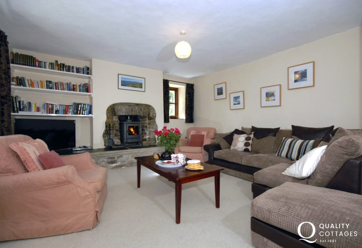 Holiday home near Newgale Beach - lounge with wood-burning stove