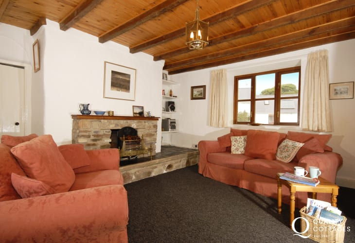 Spacious Pembrokeshire farmhouse near St Davids - second sitting room