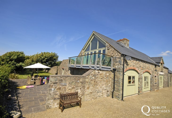 Pembrokeshire Coast Path holiday home - barn conversion with private patio gardens