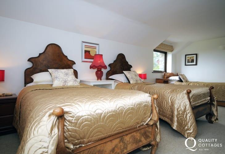 Harlech holiday cottage - triple bedroom