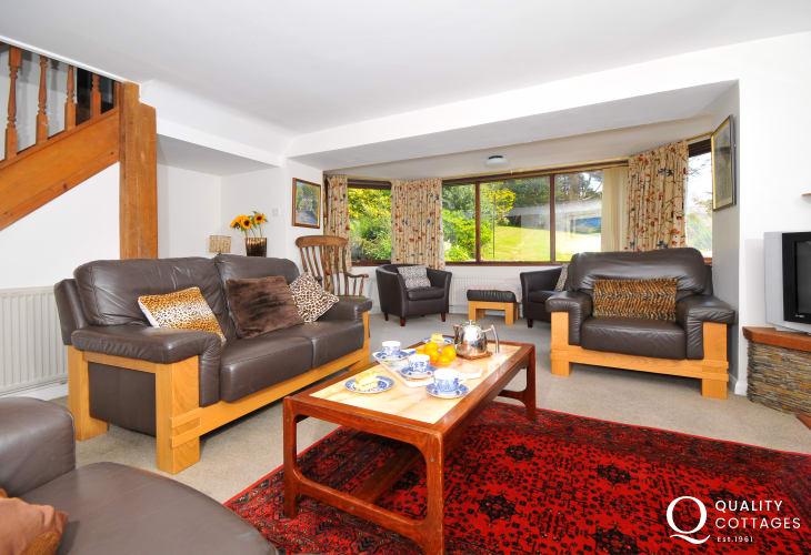 Large holiday house Welsh coast - lounge