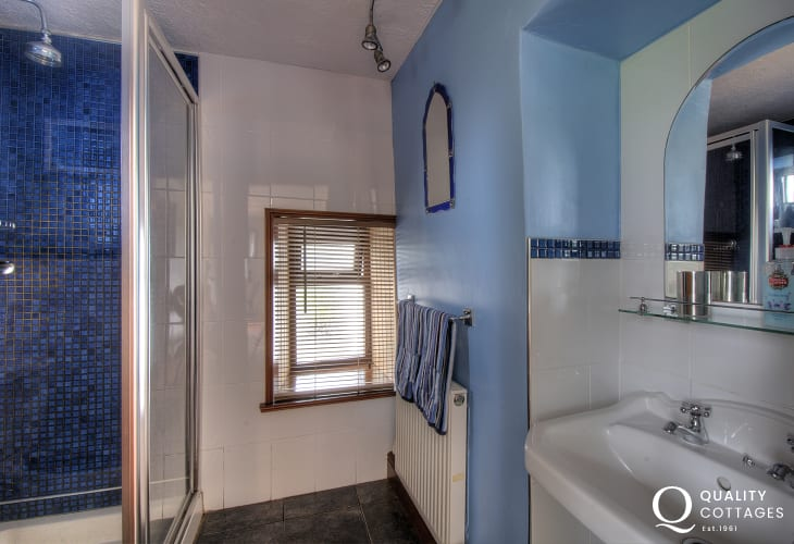 Holiday cottage shower room