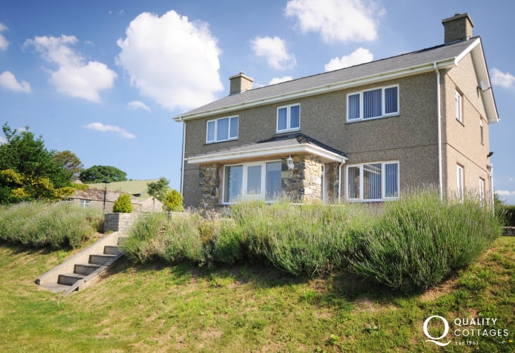 Large house for rent Pwllheli - exterior