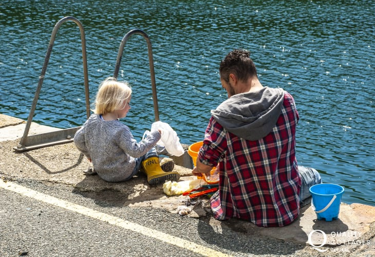 Crabbing together on Solvas' Harbour wall