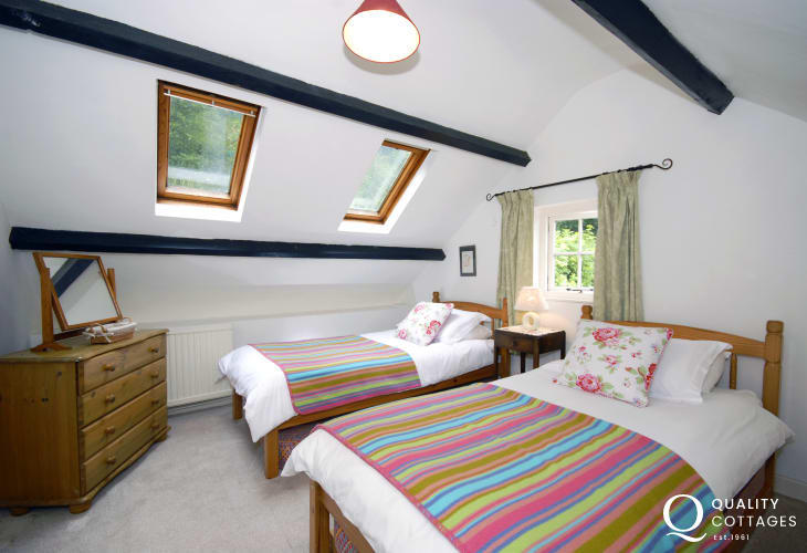 North Pembrokeshire holiday cottage sleeping 4 - twin