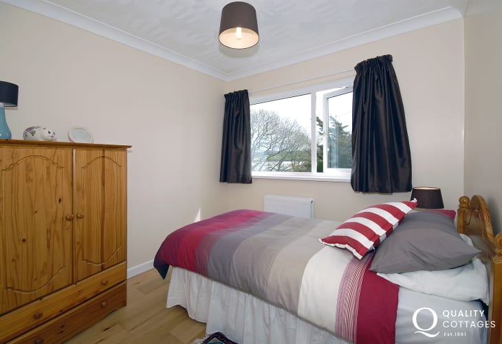 Gwbert holiday cottage sleeps 7 - single