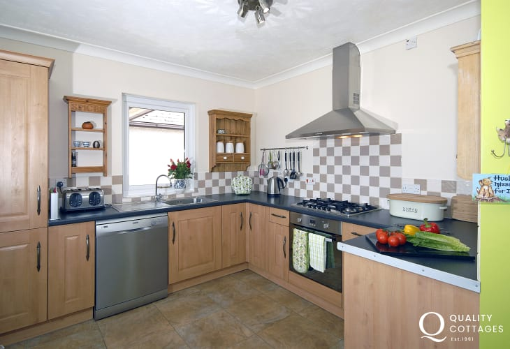 Self-catering Cardiganshire holiday home with modern open-plan kitchen