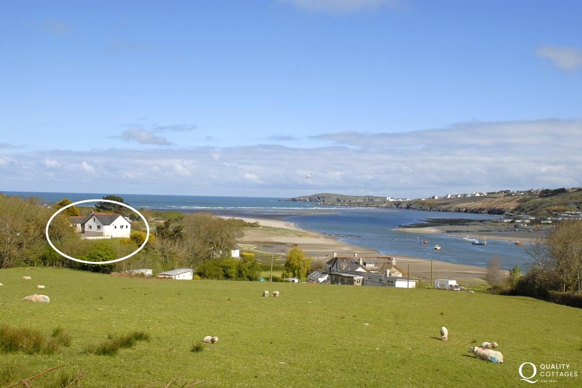 Estuary View Bungalow, St Dogmaels, Pembrokeshire