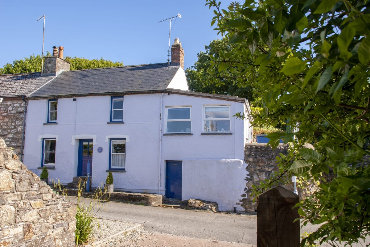 Llety Holiday Cottage in Newport