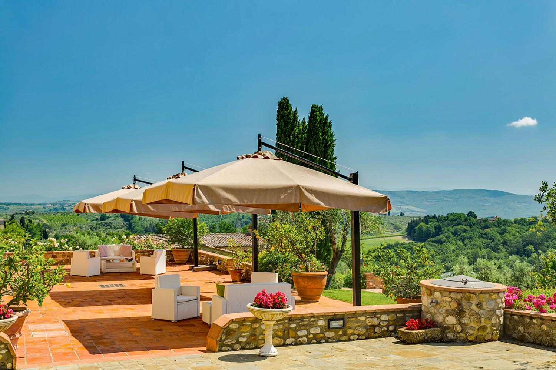 Outdoor Seating, Il Capoccio, Tavernelle val di Pesa, Tuscany.