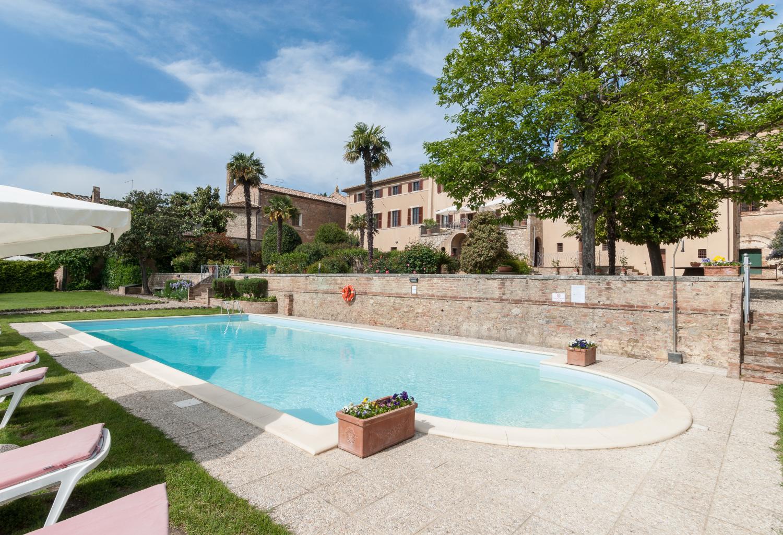 Outdoor pool, Casa Vittorio, Tuscany, San Giovanni d'Asso.
