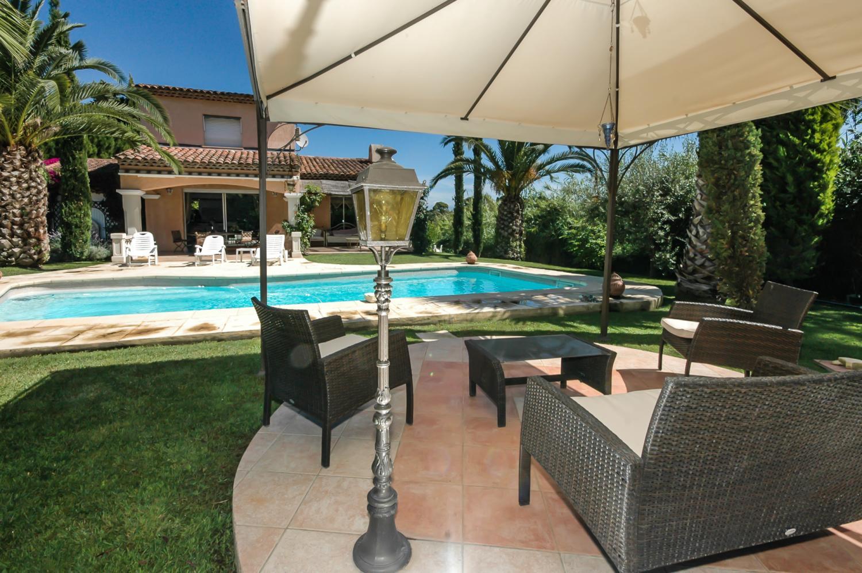 Outdoor Seating, La Ferronnerie, Antibes, Cote d'Azur.