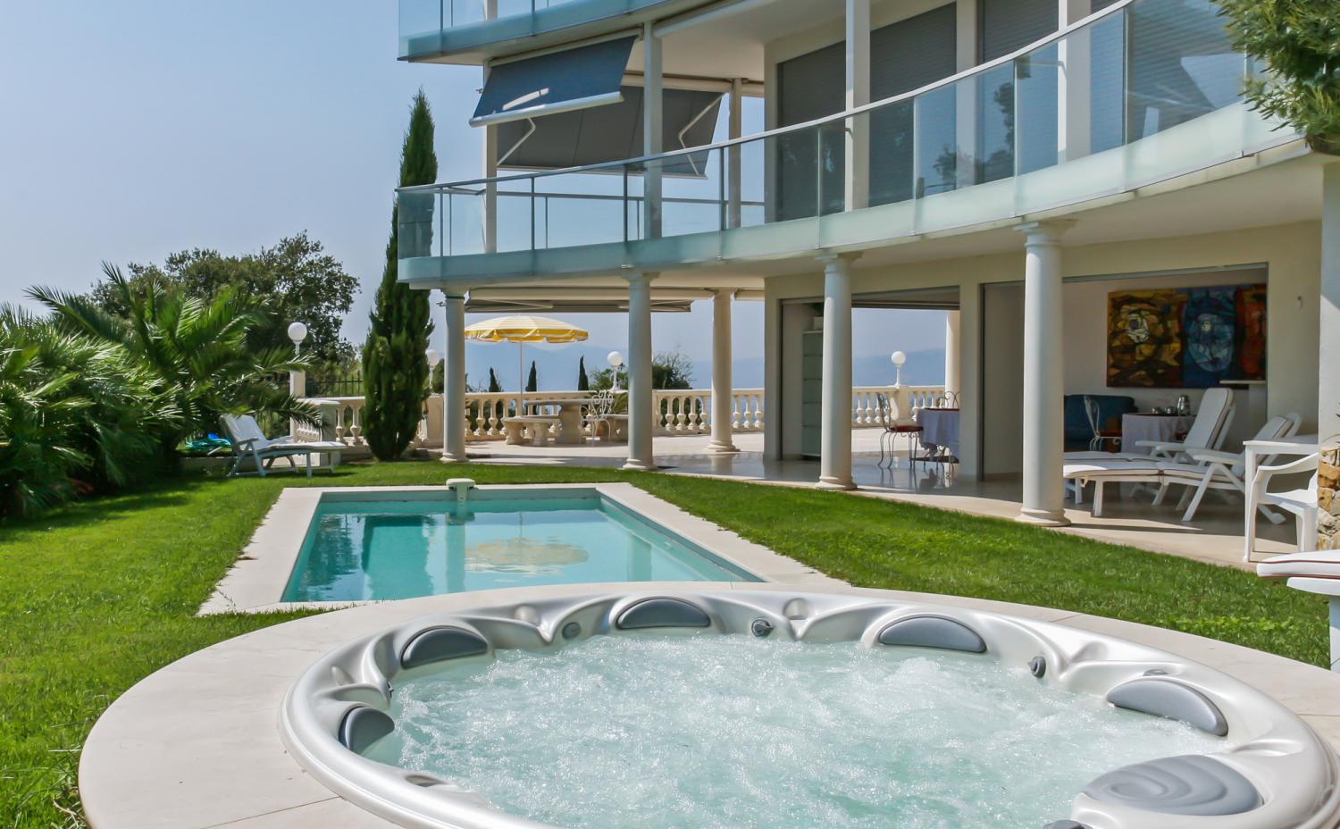 Outdor Pool Jacuzzi, La Contemporaine, Cannes, Cote d'Azur.