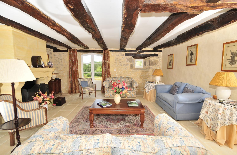 Lounge, Domaine de Maitre, Monpazier, Dordogne.