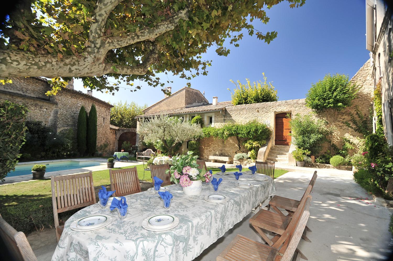 villa walking distance to village Provence